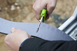 Neimpregnované pěnové pásy výrazně usnadňují manipulaci s páskou, její odvíjení a zkracování