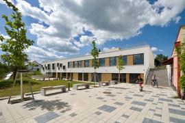 Cena Nadace pro rozvoj architektury a stavitelství 2020 - Rozšíření kapacit Základní a mateřské školy Třebotov (zdroj: Nadace ABF)