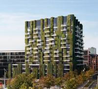 """Společnost Schüco v současné době testuje integrovaná řešení pro pěstování rostlin na některých projektech. """"Zelená fasáda"""" se bude v budoucnu prezentovat i v areálu Schüco Campus v Bielefeldu (zdroj: Schüco)"""