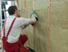 Budovy musí být úspornější. Je potřeba zrychlit renovace a navýšit podíl obnovitelných zdrojů k vytápění a chlazení
