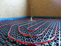 2. Nastavení výšky litého potěru pro pokládku lité podlahy