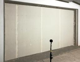 Obr. 7: Měření obvodové stěny – vnitřní strana vzorku s obkladem