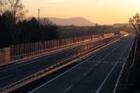 Termín dostavby dálnice D8 ohrožuje nevydané stavební povolení