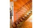 Celodřevěné samonosné schodiště