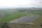 HN: Na Mělnicku spouští největší solární elektrárnu v&nbspČR