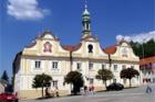 Kašperské Hory opravily náměstí