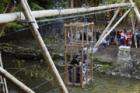 Lávku v Chrastavě strženou povodní nahradil transbordér