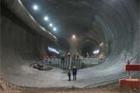 Ve Švýcarsku se dokončuje ražení nejdelšího železničního tunelu