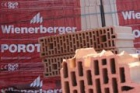 Meziroční čtvrtletní ztráta koncernu Wienerberger klesla o třetinu