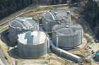 Čepro představilo nové obří nádrže na benzin a naftu v Loukově
