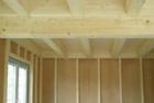 Jak vyřešit zvukovou izolaci dřevěného trámového stropu