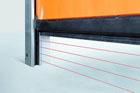 Bezdotyková světelná mříž Hörmann zajišťuje bezpečnost rychloběžných vrat