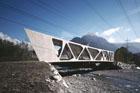 Piranesiho cenu pro středoevropské architekty má projekt mostu v Lorünsu