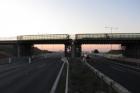 Řidičům začne v sobotu sloužit nový most přes D1 u Modletic