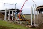 Neštěstí na stavbě mostu na Slovensku způsobila asi vadná podpěra