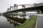 Stavba Trojského mostu bude pokračovat výpletem konstrukce