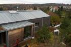 Titanzinkový plech Rheinzink na rodinném domě ve Vranově u Brna