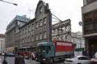 Bývalá tiskárna v pražské Opletalově ulici je po čtyřech dnech zbourána