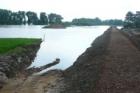 Protipovodňová hráz u Zálezlic je hotová, voda už obci nehrozí