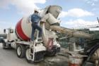 ÚOHS schválil převod cementárny, pískoven a betonáren Holcimu pod Cemex